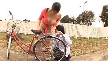 JAV - Big tits girl,round ass Chitose Yura broken car, try young people crossing the road and the end