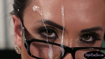 British cum therapist gets her face jizzed 6 min