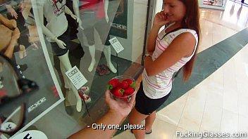 Sweet strawberry Promesita fuck in a WC