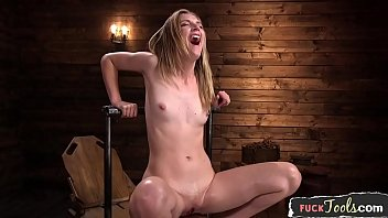 Smalltits beauty squirts while dildo fucked