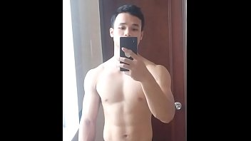 Vietnamese Personal Trainer Leaked His Jerking-Off's Video