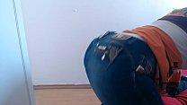 Olha como eu tiro e coloco minha calça jeans . Bundao Gigante fica justinho - Acesso ao WhatsApp e Conteúdos:  www.bumbumgigante.com - Participe dos meus Vídeos