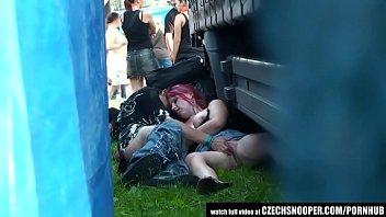 public sex in concert 5 min