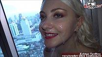 Junge deutsche amateur blondine mit kleinen titten trifft sich mit user zum Porno