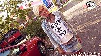 Blonde kurze haare tattoo Milf hat EroCom Date öffentlich und wird abgeschleppt zum Date
