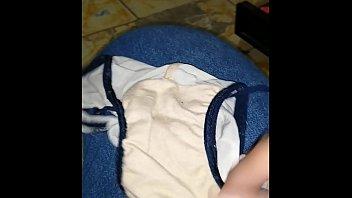 me masturbo con los calzones de mi suegra