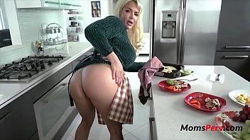 Son Fucks Mother's Broken Pussy Muff- Anna Nicole West