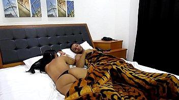 Levei amiga gostosa pro motel falei que era só pra dormir mas quando viu o tamanho do pau sentou gostoso ( Maurinho e Julia Mattos )