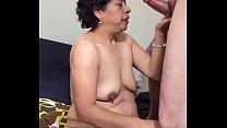La sirvienta mamando verga