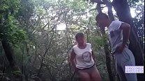 Cojiendo en el bosque