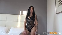 Oral sex and doggy between horny Sofia and an inexperienced rookie