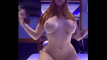 Isadora Martinez sensualizando