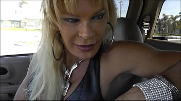 come with the slut leather shemale in adultstore and blowjob in car ,i swallow