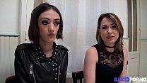 Marie et Sophie deux brunettes coquines partagent une bite 15 min