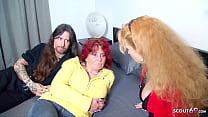Deutscher Rockstar beim Dreier Porno Dreh mit 2 reifen Deutschen Frauen