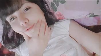 Virgin teen girl masturbating - Hana Lily
