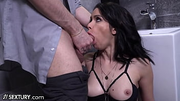 21Sextury Jessy Jey Gets Dolled Up For The Best Deepthroat and Anal Ever!