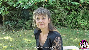 Bourgeoise slutty milf Mélodie becomes mad with 3 men and first gang-bang of her life 15 min