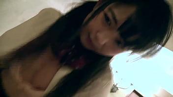 ちっぱい激カワセフレと制服着たままツンデレSEXの動画!最初は「イヤよ」だったけどやっぱりおじさんのチ〇ポは… 18 min