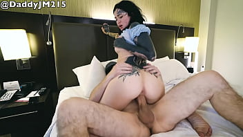 Tatted Babe Gets BWC in Hotel Room 4 min