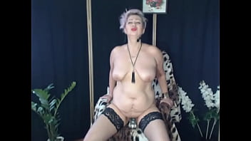 The bottle in wet mature pussy of kinky MILF!