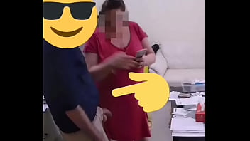 Friend making delivery rubs and dick flash to surprise nervios big tit bbw wife