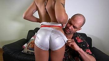 Tony Lee apresenta a nova novinha do cinema pornô brasileiro - Sthefanny Sayury