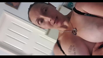 Kelso milf shows off her tits
