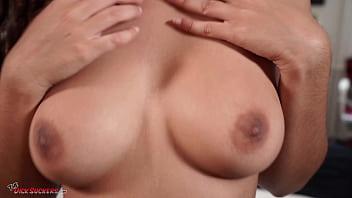 Amateur Arabic babe Luna Silver splattered in semen!