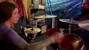 Felicity feline drumming in her lockout