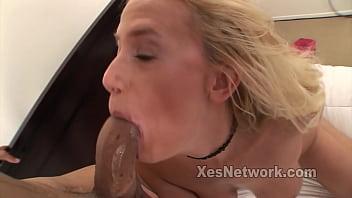 Amateur Swinger Rides a Big Black Dick in Hot Blonde Milf Video 20 min