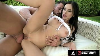 21 SEXTURY - Maximo Garcia Dominates Sasha Rose's Hungarian Ass With An Anal Pounding