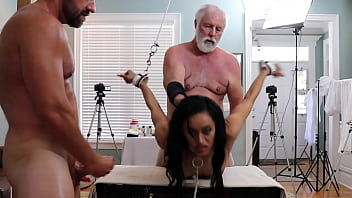 Gia Vendetti (DSC8-5) BDSM Bondage Oral Doggystyle Creampie Toys 15 min