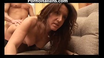 Mamma milf italiana trombata da amante dotato - Italian milf mom fucked by lover
