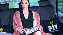 VIP SEX VAULT - Glamorous MILF Wife Sarah Highlight Fucks With Taxi Driver On The Road