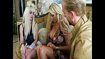 Gaga Invited To Kelly Madisons House For A Hot Threeway