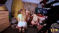 Por trás das câmeras enquanto dois casais se preparam para um swing - Rebecca Santos - Yasmin Rabetao - Alex Ferraz Ator