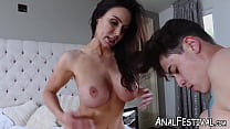 Young Chloe Cherry shares cock with bubble butt MILF