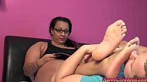 Gina the arab BBW foot smelling enjoyment