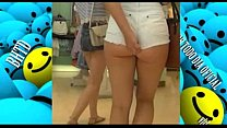 Gostosas de Shortinho Socado Mostrando Polpinha da bunda   Short Shorts