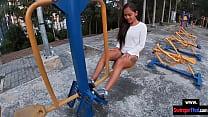 Amateur Thai teen girlfriend gives him a blowjob after her workout