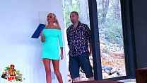 Amazing russian babe fucked while she's trying to sell a house
