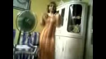 زينب ام احمد بترقص لعشيقها